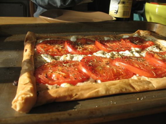 Goat Cheese and Tomato Phyllo Pizza